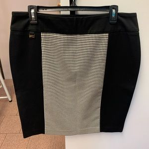 Lisette L stretch skirt size 14